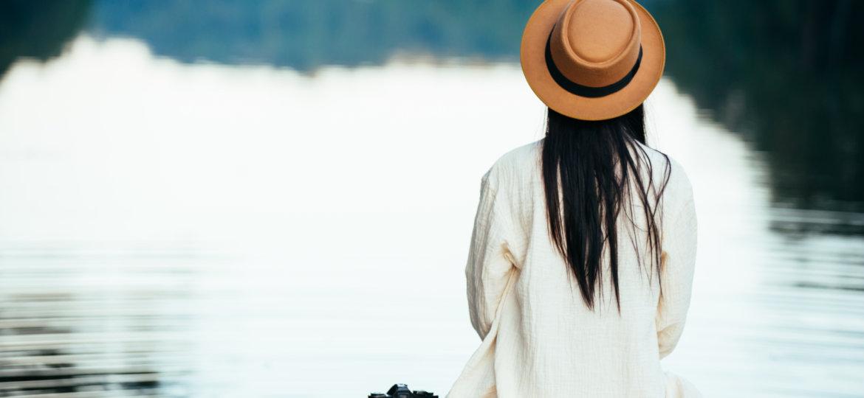 soledad - mujer y agua